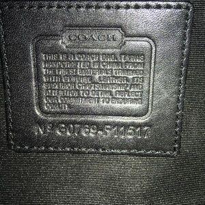 Coach Bags - Coach Signature Hobo Shoulder Bag
